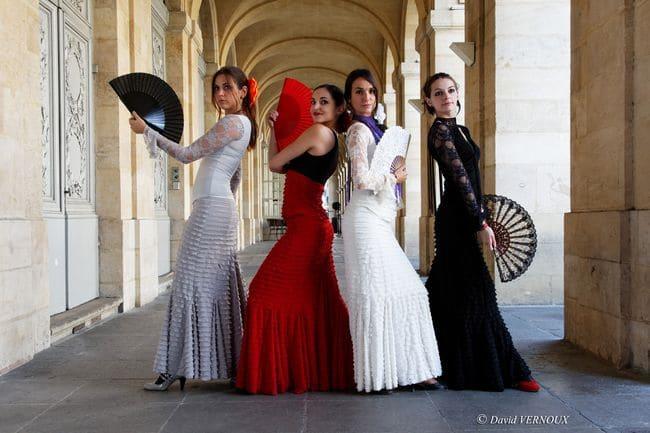 robe et jupe flamenco bordeaux